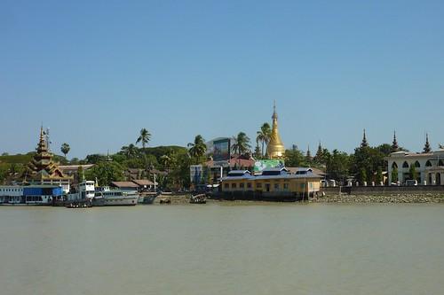 Yangon-Pathein-Bateau-Arrivee (1)