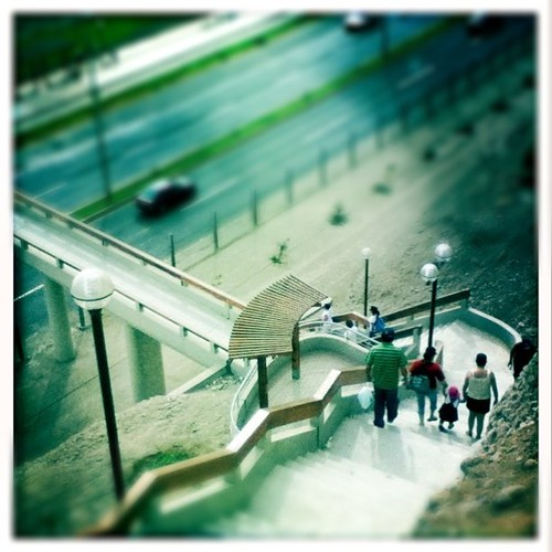 Over the bridge (Instagram new Tilt-Shift Filter)