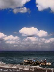 perjuangan pak nelayan (peyete   photography) Tags: beach pantai nelayan kapal