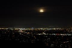 Super Moonrise Over San Diego (olasis) Tags: city moon lights sandiego super moonrise supermoon