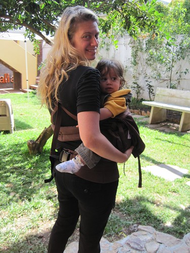 5390533868 b36e80348f Travel Expertas Pick of the Week   ERGObabys Organic Twill Dark Chocolate Baby Carrier