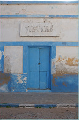 lets twist again (mhobl) Tags: door blue morocco maroc artdeco sidiifni schriften trentore twistclub