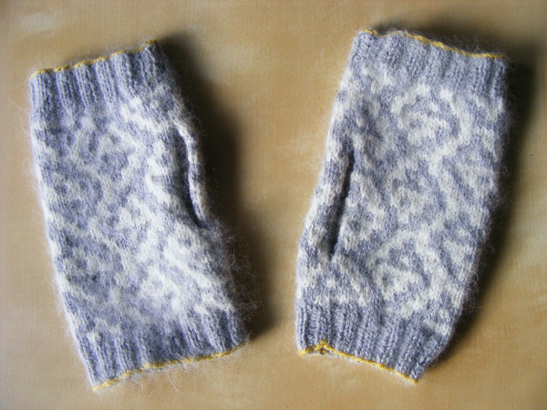 kuelap fingerless mitts