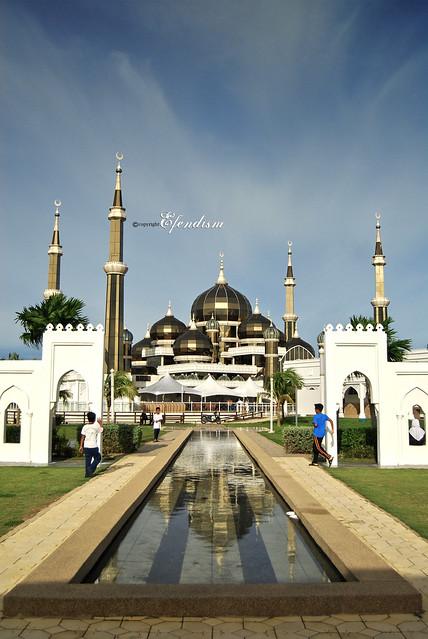 Masjid Kristal dan refleksi