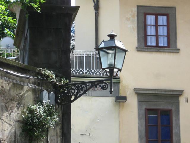 フィレンツェの街灯のフリー写真素材