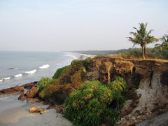 Meenkunnu Beach (Sheriff Orange) Tags: india holiday beach kerala serene bliss peacefulplace kannur cannanore