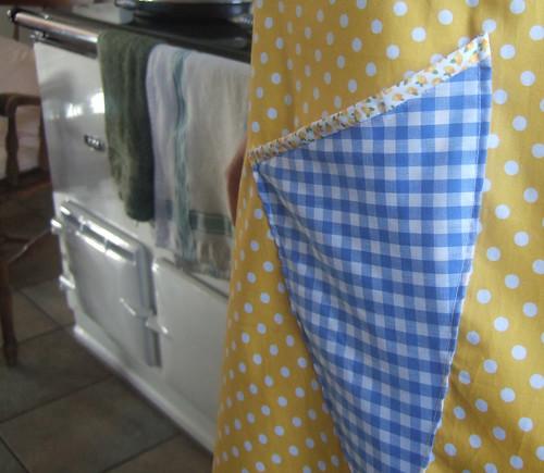 vintage apron number three:pocket