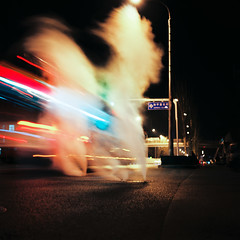 Smoking manhole II, Hepingli Beijie, Chaoyang district, Beijing, China - Late December 2010 (Lumire en juin) Tags: china street 120 6x6 tlr mediumformat kodak beijing smoking mat 124g 100  manhole  yashica peking chine 2010  ektar pkin pechino  pequim