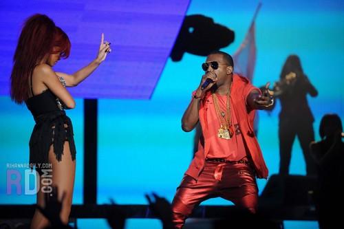 Rihanna & Kanye West / Live