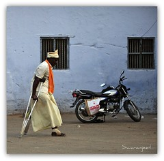 Modes of Transport . . . IMG_4918 (Swaranjeet) Tags: india canon is photos kerala indie thane mumbai 70200 f28 ef southindia singh sjs 2011 hindustan swaran sjsphotography eos5dmkii ef70200mmf28lisiiusm canonef70200f28lisiiusm swaranjeet swaranjeetsingh swaranjeetphotography sjsvision bharatvarsh