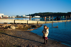 Bainbridge Island (Araakii) Tags: seattle leica sunset girl zeiss 35mm island washington waterfront candid rangefinder carl bainbridge kitsap m9 biogon3528zm