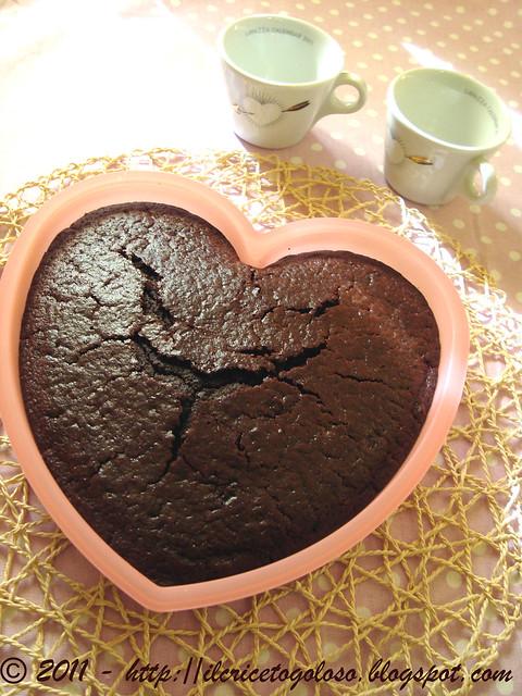 Torta al cioccolato morbidosissima e umida