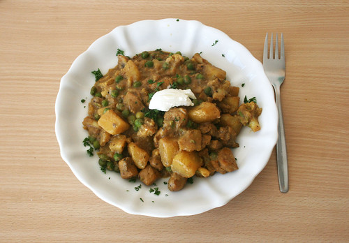 38 - Indische Kartoffel-Blumenkohlpfanne - fertiges Gericht