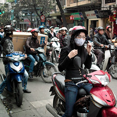 Life on wheels (babykailan) Tags: street crazy fridge candid motorcycles sigma cargo vietnam dodge hanoi foveon frenetic dp2s