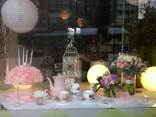 A pink tea party for birdies