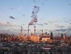Chimneys (La mirada de Mara...) Tags: city nyc travel chimney usa cloud newyork building industry skyscraper canon eos edificios factory smoke ciudad queens pollution astoria bigapple viajar rascacielos 2470mmf28 50d lamiradademara marialcdsm
