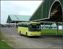 L141BFV (Thrash Merchant) Tags: bus buses yellow coach fuji finepix s7000 fujifilm hd schoolbus coaches 962 plaxton blazefield harrogateflowershow transdev harrogateanddistrict greatyorkshireshowground dennisjavelin schoolcoach exstagecoach m102ccd exburnleyandpendle transdevharrogate