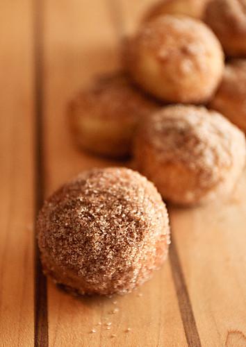 Baked doughnut holes