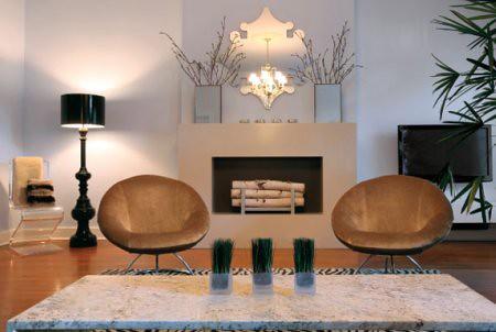 Reynaldo Gonzalez livingroom_fireplace
