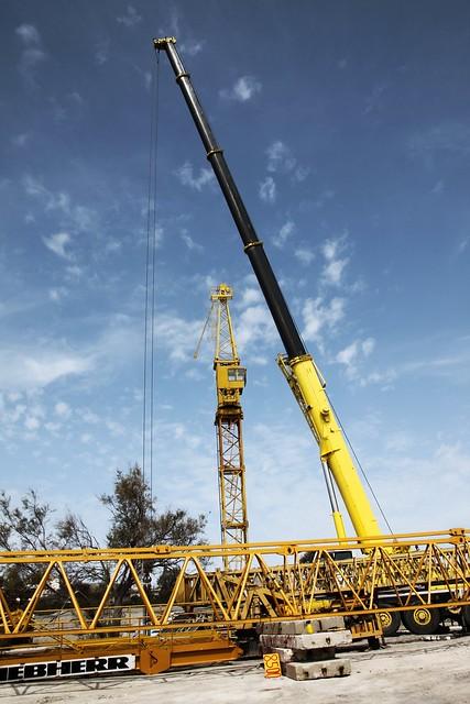 Dismantling the cranes
