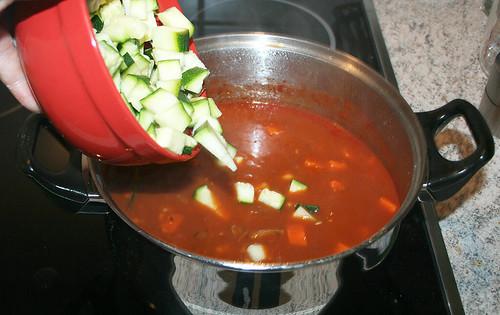 42 - Zucchini hinzu
