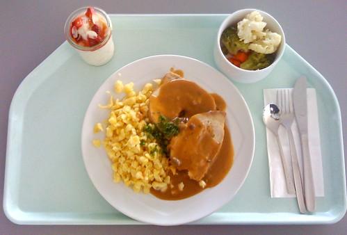 Schweinelende mit Pilzknödelfüllung / Pork loin stuffed with mushroom & dumpling