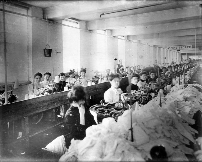 Women-at-sewing-stations-Triangle-factory