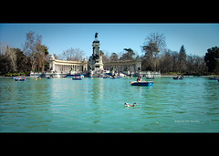 EL RETIRO (ivanovich ivanov) Tags: madrid españa lago duck agua pato finepix estanque barcas elretiro j40