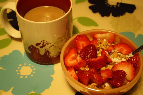 coffee, chobani with Kashi Go Crisp! Toasted Berry Crumble, strawberries