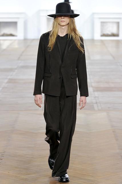 FW11_Paris_Dior Homme002(VOGUEcom)
