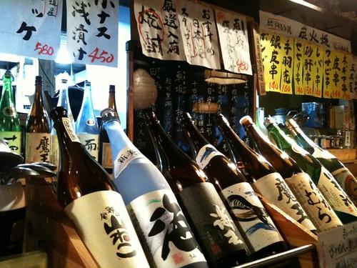 居酒屋なう。日本酒飲んじゃうよ。焼酎か、これは。