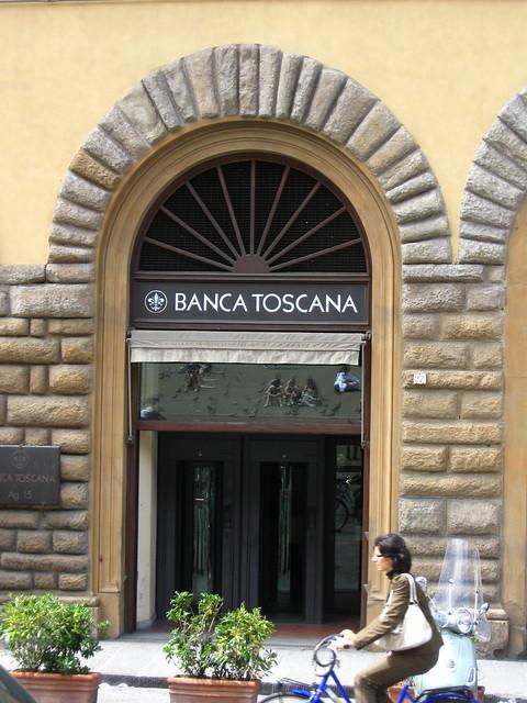 フィレンツェの銀行のフリー写真素材