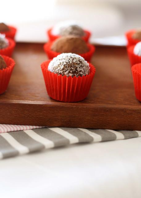 Gluten Free Scallywag_date almond truffles_2