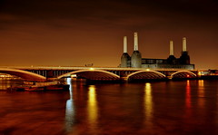 Mainline (Stacey Price (Roxy_77)) Tags: longexposure london thames unitedkingdom theriverthames battersea thamesriver batterseapowerstation d90 londonunitedkingdom batterseapowerstationatnight batterseapowerstationlondon roxy77