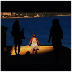 Bodyguards (jurek d.) Tags: light sunset shadow woman women bodyguards jurekd