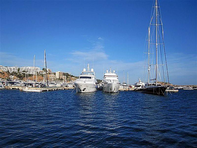 Puerto Portals -  Paradise Lost