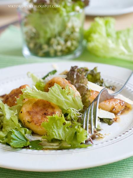 salad with cheese pancake3