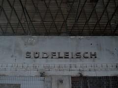 Sdfleisch (jakob_simeth) Tags: streetart graffiti olympus e300 industrie darklight metzgerei schlachthof leerstehend