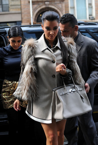 Kim+Kardashian+Tote+Bags+Leather+Tote+IvANKr5wqzCl