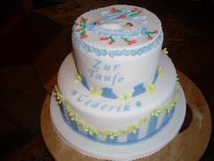 Tauftorte Cederik (zucker.rose) Tags: baby blumen christening junge bärchen fondant tauben wiege motivtorten tauftorte kindtaufe kindstaufe tauftorten babyinderwiege
