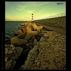 Grandes Señales (m@®©ãǿ►ðȅtǭǹȁðǿr◄©) Tags: lighthouse france canon faro aude portlanouvelle canoneos400ddigital languedocrosellón m®©ãǿ►ðȅtǭǹȁðǿr◄© sigma10÷20mmexdc marcovianna imagenesdefrancia fotosdefrancia grandesseñales