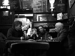 CAFE DE ENGELSE REET (Akbar Simonse) Tags: street people bw holland netherlands amsterdam cafe zwartwit candid streetphotography streetshot straat straatfotografie straatfoto pilsenerclub deengelsereet dedoka nederlandvandaag akbarsimonse geloofindebrouwerij streetphotographycandidstreetportrait