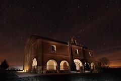 Ermita Santo Cristo de las Arenillas (dnieper) Tags: spain cielo nocturna estrella palencia cisneros ermitasantocristodelasarenillas