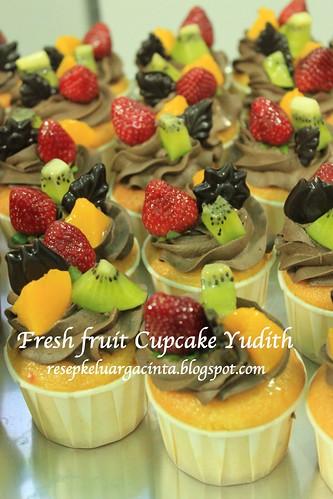 Fresh Fruit Cupcake Yudith