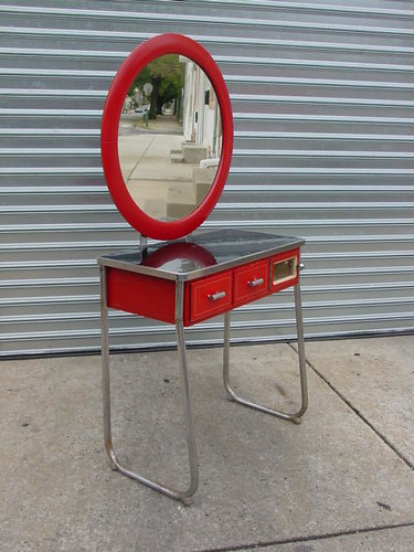 Super Art Deco makeup Vanity