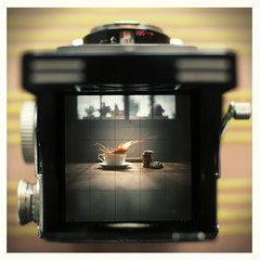 Digital framing of the analogical framing of a cookie splash (Sir Noname) Tags: 6x6 film rolleiflex nikon cookie bokeh chocolate splash analogic rolley 35mmf18 sb900 bokehhearts d300s cookiesplash nikond300s sirnoname
