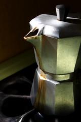 Que nadie como tú me sabe hacer café... (Yolo Axolotl) Tags: coffee café méxico canon mexico cubana messico cafetera mejico canoneost1i t1i yoloaxolotl