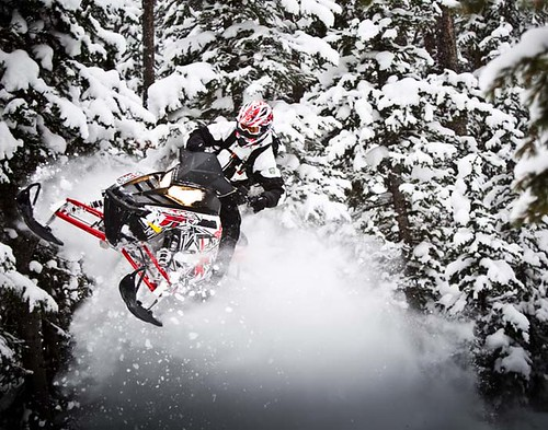 Polaris 2011 Assault. Polaris-MY12_800-Switchback-