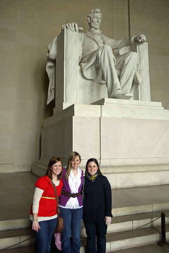 Lincoln Memorial - Allie, Kailin, Caitlin