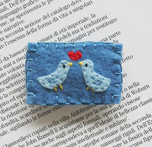 Two lovebirds pin